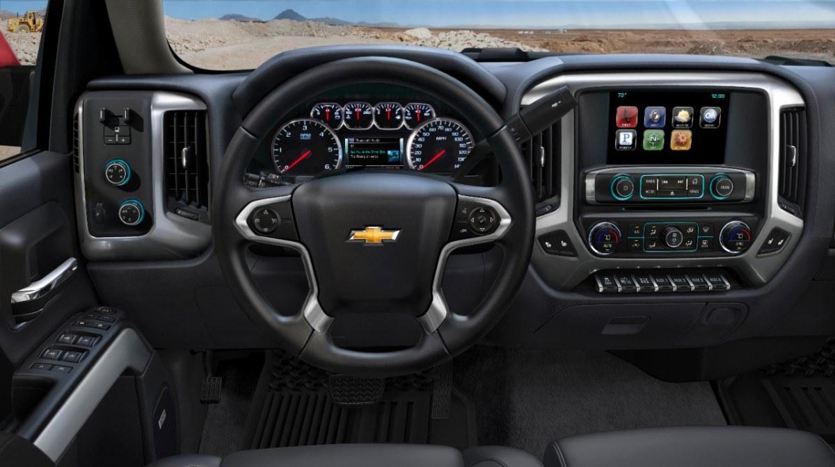 2014-Chevrolet-Silverado-037-medium